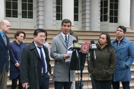 罗德格里斯(Ydanis Rodriguez)提案建立类似安珀警报的肇事逃逸警报。