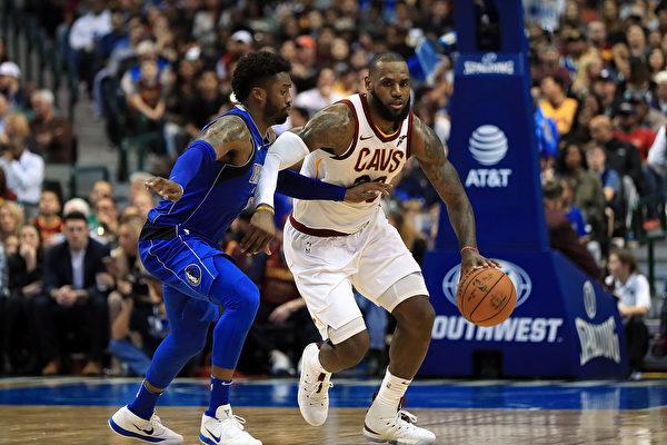 NBA:勇士豪取六連勝 掙扎騎士避連敗