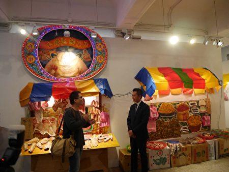 唐唐發以傳統市場為主題,呼應竹市東門市場改造議題。(林寶雲/大紀元)