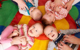 新育兒津貼法出台 約25萬個家庭受益