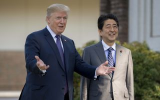 川普抵日警告朝鲜:别小看美国决心