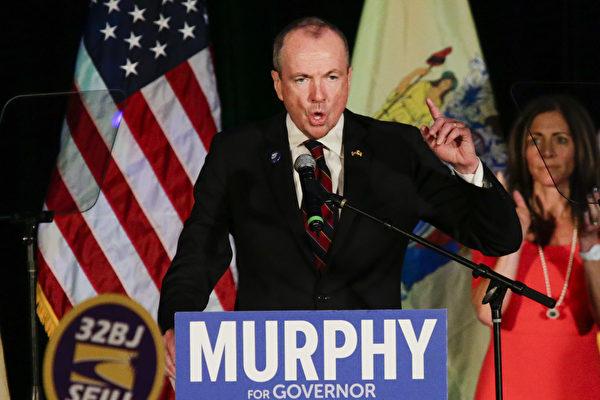 美國民主黨人墨菲(Phil Murphy)11月7日晚,贏得新澤西州州長選舉,獲得53%的選票。(Eduardo Munoz Alvarez/Getty Images)