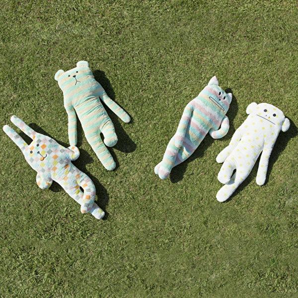 Craftholic抱枕的特點是色彩繽紛,手感手軟。(Craftholic提供)