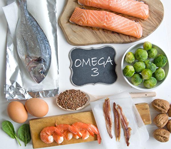 大腦大部分由脂肪組成,必須攝入好脂肪保護大腦功能。(Shutterstock)