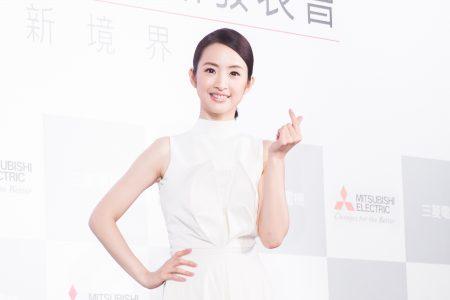 藝人林依晨12月13日在台北出席代言活動。