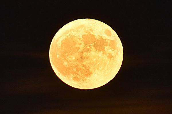 超級月亮將現身 今晚11點47分最大滿月