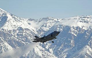 F-35閃電II投放激光制導智能炸彈演習 。(George Frey/Getty Images)