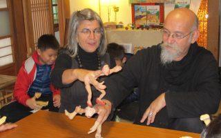 意大利手指偶剧场 展现多元偶戏文化