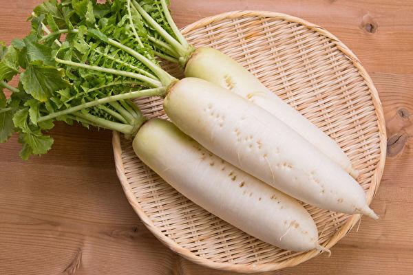 白萝卜功效赛人参,生吃熟吃各有益处。