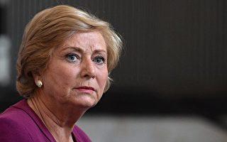 爱尔兰副总理辞职 避免政坛地震