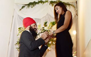 新民主黨黨魁辛格和27歲時裝設計師訂婚