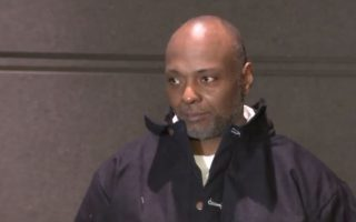 白蹲21年监狱 布朗士男获释