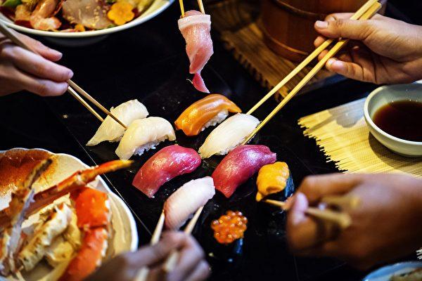 生魚壽司。(公有領域)