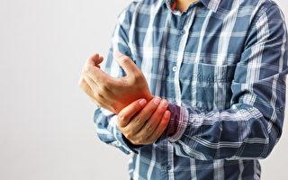 """手出现哪些症状  需要看""""手科""""?"""