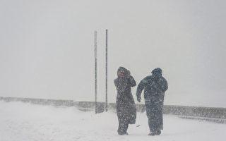 暴风雪袭美中西部 积雪18英寸 近200航班取消
