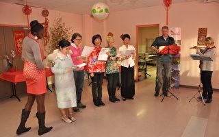 與會鄉親與法國友人臺灣歌曲演唱。(駐法國台北代表處提供)