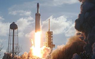 特斯拉敞篷紅跑車帶你遨遊太空 飛往火星