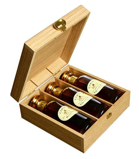 小瓶试尝款可选组合:VSOP + NAPOLEON + XO或者NAPOLEON + XO + EXTRA。(Bernard Boutinet提供)