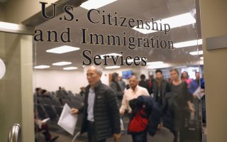 美國明年接收36.8萬難民和尋求庇護者