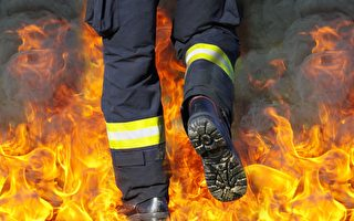墨爾本一工廠起火 消防員進入有意外發現