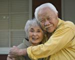 90歲老夫妻鬧彆扭 醫生對老媽媽說了一番話