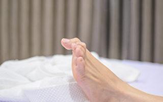 睡一半腳抽筋?抽筋8大成因 快看你是哪一種