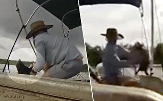 2男河中營救1隻袋鼠 沒想到之後他們竟接連救起奇特動物