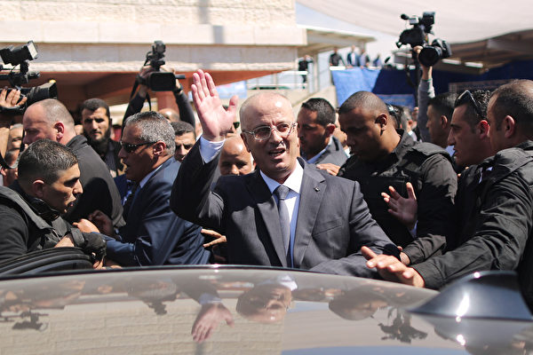 巴勒斯坦总理车队遇袭 7伤 总理幸免于难