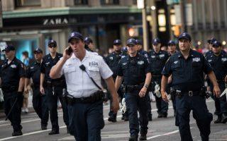 媒体吁继续公开警察随身录像