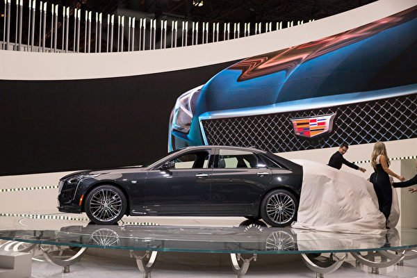 Cadillac 正式发表了最入门 SUV-XT4。(戴兵/大纪元)