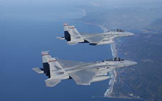 美军强悍F15战机 曾爬升万多米打下卫星