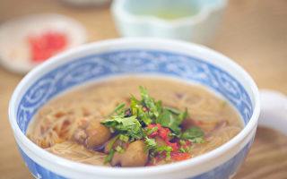 豬大腸補鐵鋅、增體力 簡單5步煮大腸麵線