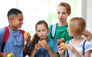 家長:孩子午餐時沒人管 吵雜如動物園