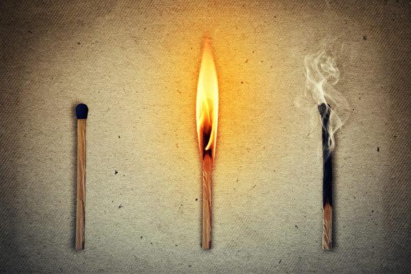 Three matches: the whole, the burning and extinguished. Life cycle matches symbolizing human