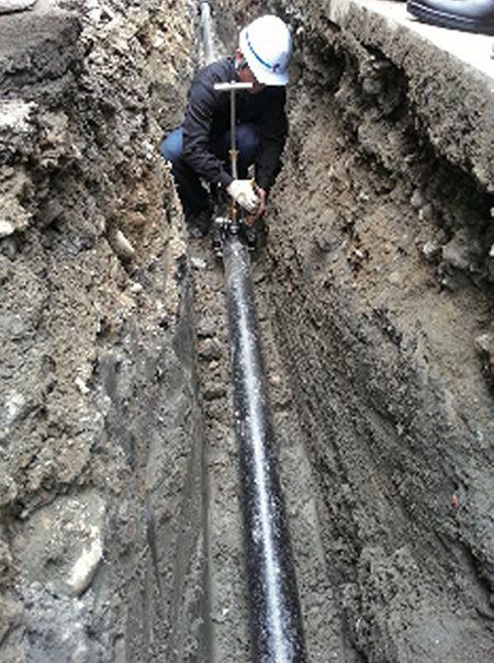 80位台灣水醫生 每年徒步檢漏3萬公里管線