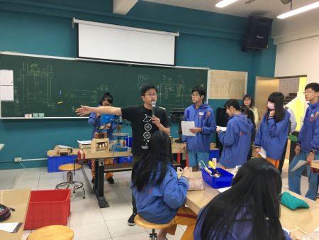 SUPER教师陈韦邑让学习活动与生活需求相结合,探索自我,形塑个人特质。