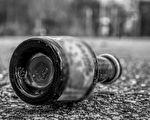 """广州医生谭秦东因在网上发帖,质疑内蒙古鸿茅药酒是""""毒酒""""后,遭到该省凉城县警方的跨省抓捕。图为示意图,非鸿茅药酒。(pixabay)"""
