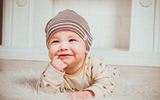 半岁宝宝走红网络 不是因为长得很可爱 竟是⋯⋯
