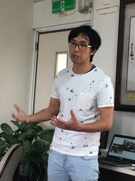 """赵荣华采用其自行研发的""""TEAM""""模式增,进学生自主探究及规划设计的能力。"""