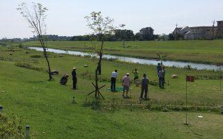 尾堑桥下公园高尔夫球场  运动休闲好地方