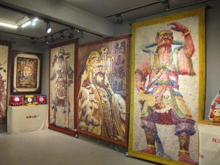 來自北港的周秀惠的作品: 媽祖神像及千里眼、順風耳。