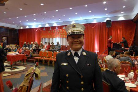 紐約市消防局緊急醫療服務部處長郭倩芬(Sophia Kwok)是紐約市消防局內首位擔當部門主管的亞裔女性。