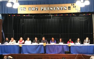 市教育总监参加法拉盛第25学区里民会议
