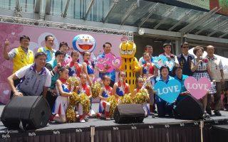 慶祝母親節  國民黨新竹市黨部送500朵康乃馨