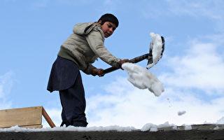 當冰上曲棍球遇上鏟雪 清雪妙方誕生