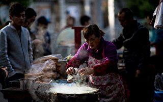 天津規定煎餅果子不能超45厘米 網民抗議