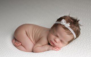 你累了吗?看过宝宝这样睡觉吗 保证秒纾压