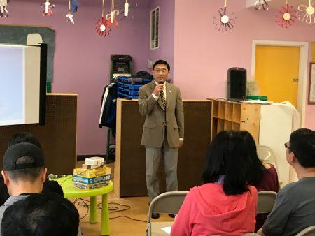 汤森哈里斯大学申请指导老师王稚鹤表示,成绩很重要,在大学申请中的分量占到75%~85%。