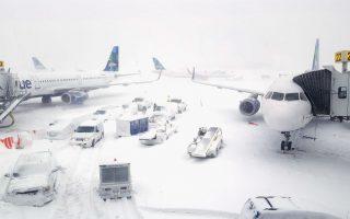 暴风雪致JFK机场大乱 港务局定新规