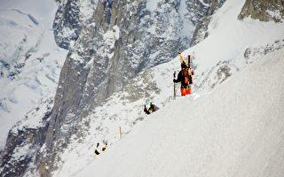 敢在這地方滑雪嗎?山稜滑雪技術高超佩服